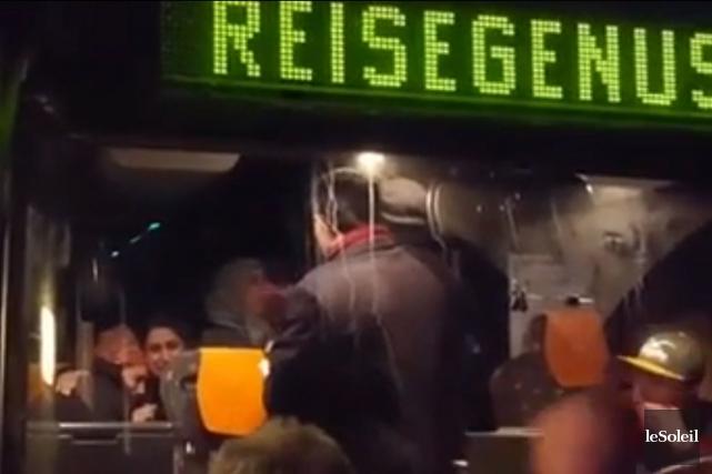 Des protestations se sont élevées samedi en Allemagne après la diffusion de... (Capture d'écran, Le Soleil)