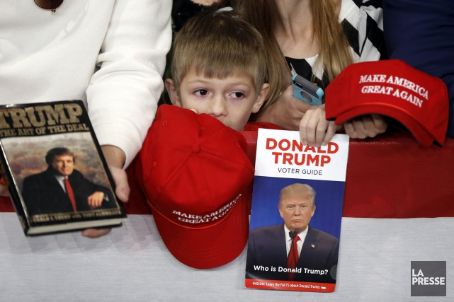 Un jeune partisan de Donald Trump à un... (Associated Press)