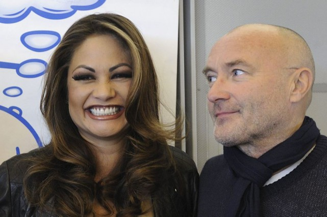Orianne et Phil Collins en octobre 2010... (PHOTO FABRICE COFFRINI, ARCHIVES AFP)