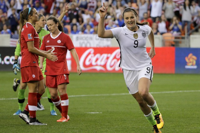 Lindsey Horan célèbre son but à la 53e minute.... (PHOTO AP)