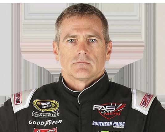 Bobby Labonte, au volant de la Ford Fusion... (tirée de NASCAR.com)