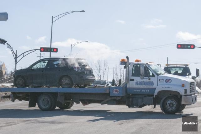 Un accident impliquant deux véhicules a fait deux... ((Photo Le Quotidien, Michel Tremblay))