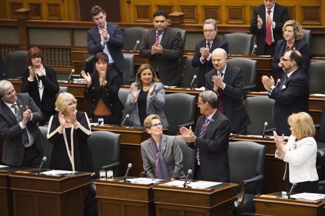 La première ministre de l'Ontario,Kathleen Wynne,a présenté des... (La Presse Canadienne, Nathan Denette)