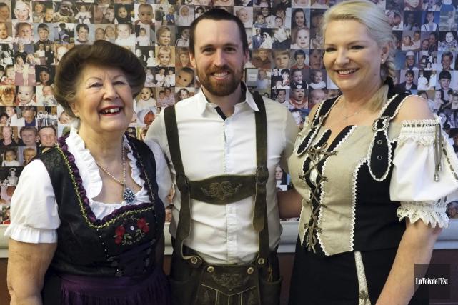 La mairesse de Bromont, Pauline Quinlan, et le... (Alain Dion, La Voix de l'Est)