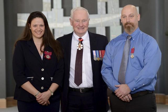 Michelle Gendron etChristian Vaillancourtont reçu la Médaille de... (Vincent Carbonneau, Rideau Hall, OSGG)