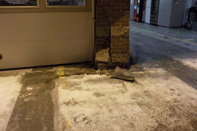 Le Service de police de Sherbrooke recherche un individu qui a foncé... (Photo fournie par le SPS)