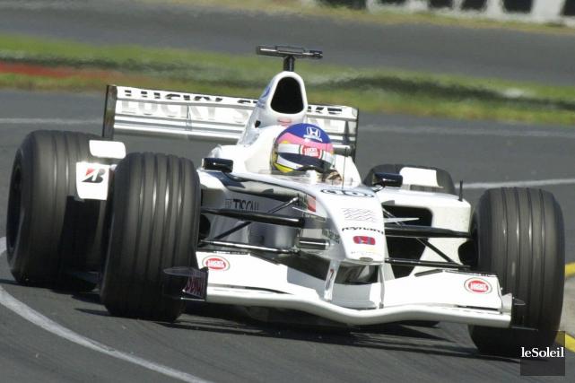 Jacque Villeneuve au volant à Melbourne, en Australie,... (Photothèque Le Soleil, AP, Steve Holland)
