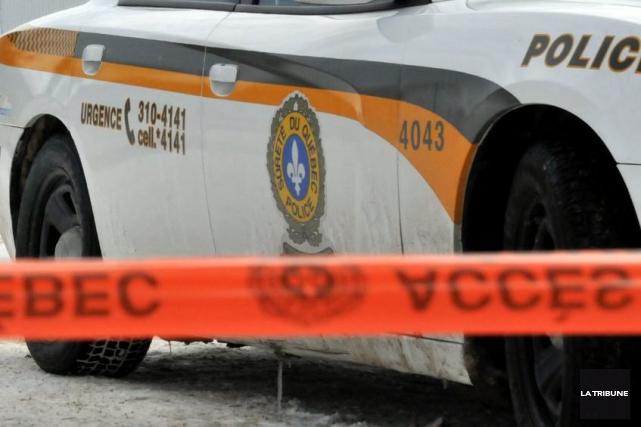 Le conducteur d'un camion est décédé lors d'une sortie de route survenue mardi... (Archives La Tribune)