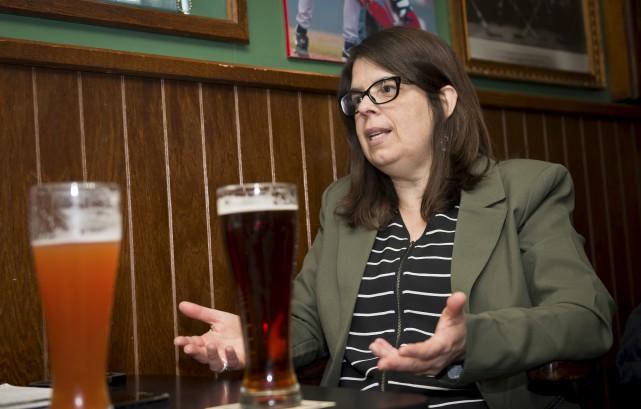 Hélène Dauphinais : « Quand j'écoute un économiste... (Spectre, Jessica Garneau)