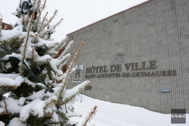 L'hôtel de ville deSaint-Augustin-de-Desmaures... (Photothèque Le Soleil, Patrice Laroche)
