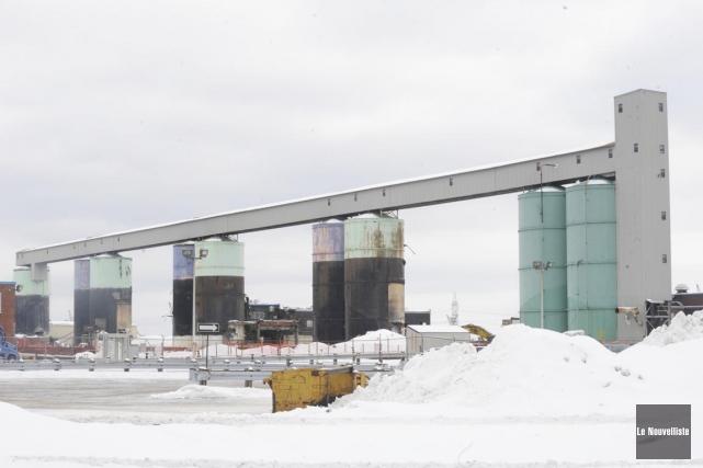La démolition de l'aluminerie de Rio Tinto se... (Sylvain Mayer, Le Nouvelliste)