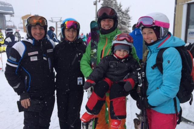 Le vétéran skieur CLAUDE GAUTHIER en compagnie de...