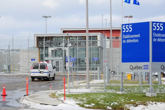 Cinq des 18 gestionnaires de la nouvelle prison... (Archives Le Quotidien, Gimmy Desbiens)