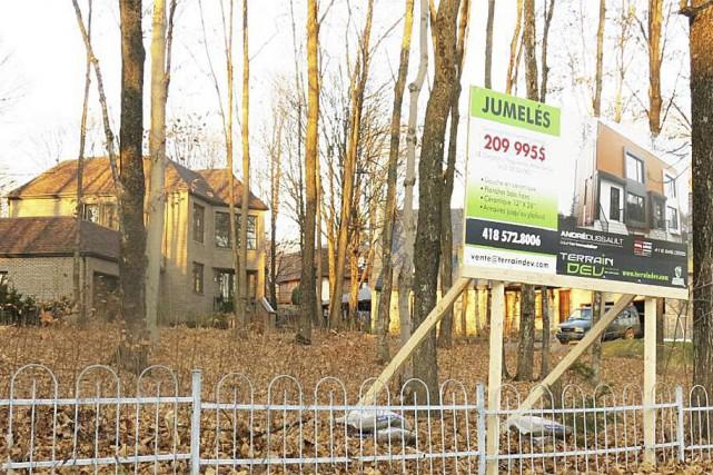 Le projet contesté prévoit deux bâtiments sur un... (tiré d'un document déposé à la rencontre du conseil d'arrondissement de la Haute-Saint-Charles du 14 décembre 2015)