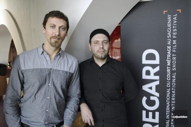 Le cinéaste Alexandre Rufin et le directeur photo... (Photo Le Quotidien, Mariane L. St-Gelais)