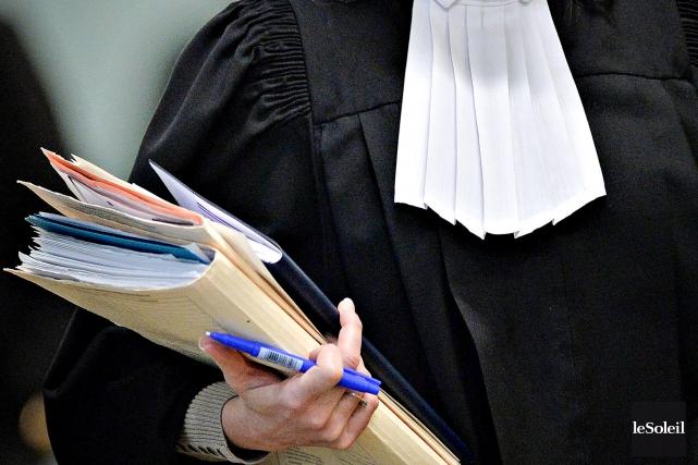 Transaction immobili re avec son mari plainte contre la for Transaction immobiliere