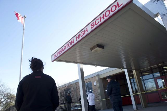 Les attaques au couteau à l'école secondaire Dunbarton,... (PHOTO Salvatore Sacco, ARCHIVES LA PRESSE CANADIENNE)