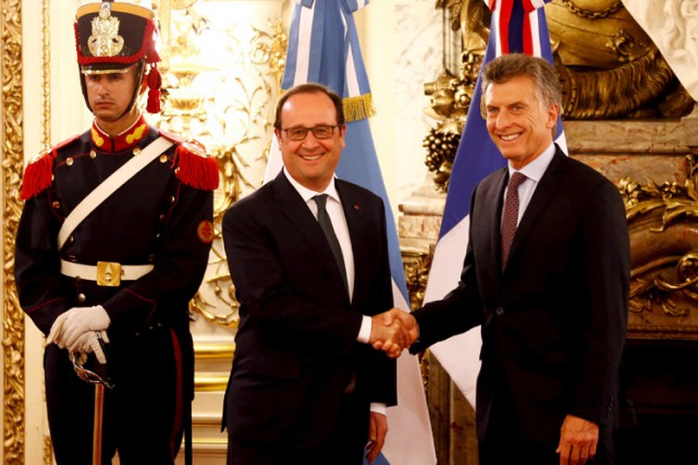François Hollande a rencontré son homologue argentin Mauricio... (PHOTO REUTERS)