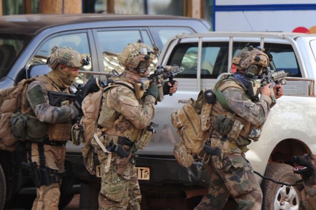 Des forces spéciales françaises lors d'une opération àOuagadougou,... (PHOTO AFP)