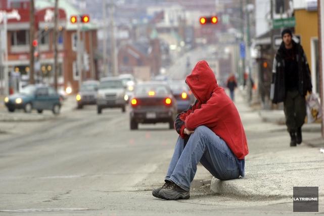 La solitude et la pauvreté au centre-ville ne... (Archives, La Tribune)