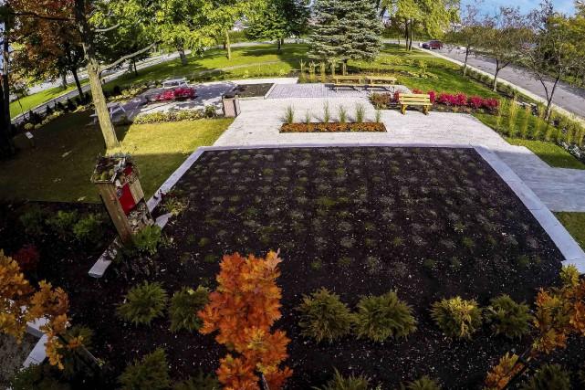 Le jardin de détente au design moderne aménagé... (Fournie par Fierbourg)