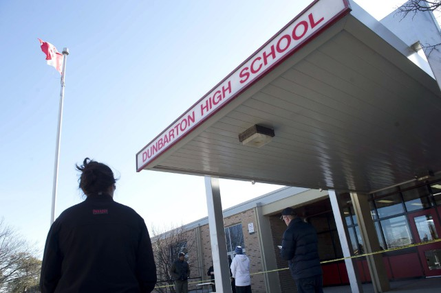 Les attaques au couteau à l'école secondaire Dunbarton... (Salvatore Sacco, Archives PC)