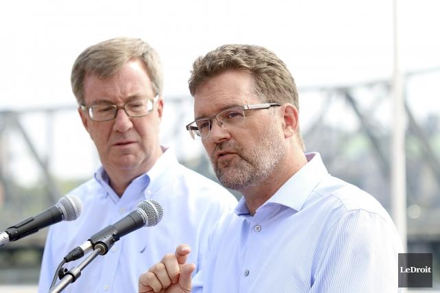 Les maires Jim Watson et Maxime Pedneaud-Jobin seront... (Etienne Ranger, Archives LeDroit)
