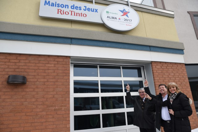 Marc Asselin, maire d'Alma, Rock Morasse, directeur adjoint... (Photo courtoisie)