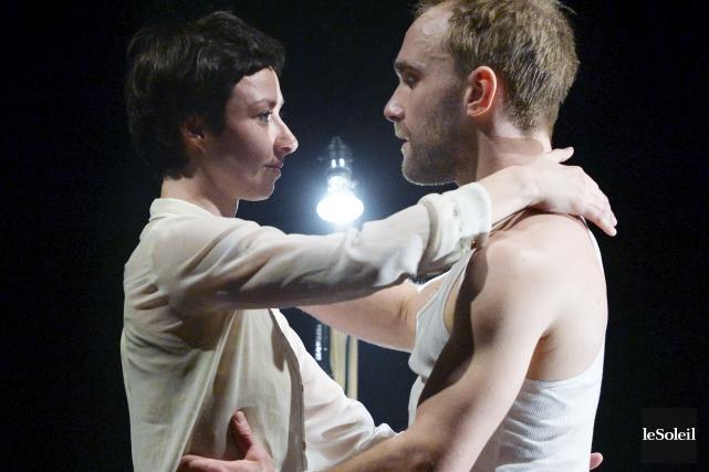 La complicité entre les danseurs Josiane Bernier et... (Le Soleil, Jean-Marie Villeneuve)