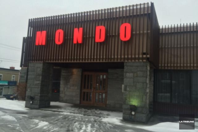 Le restaurantMondo fermera ses portes dimanche. L'immeuble était en vente... (La Tribune, Mélanie Noël)