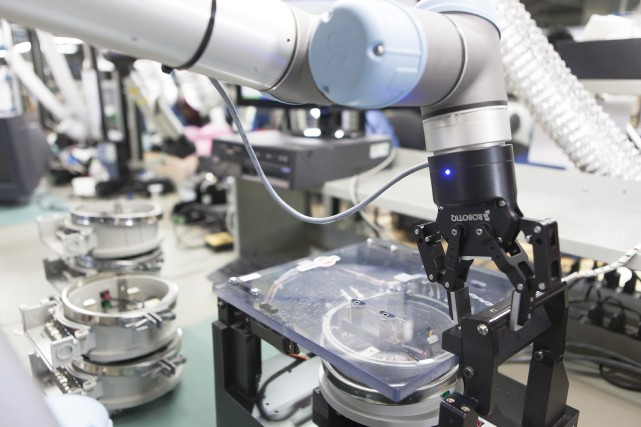 La main robotisée de Robotiq est capable de... (PHoto fournie par Robotiq)