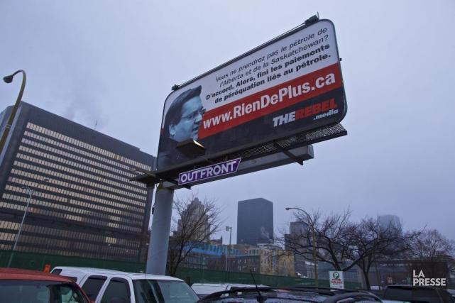 La publicité présente une adresse pour un site... (PHOTO ANDRÉ PICHETTE, LA PRESSE)