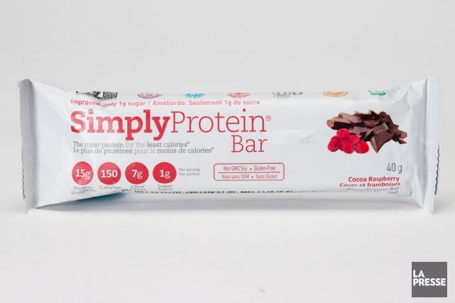 Barre de protéines cacao et framboises de SimplyProtein:... (PHOTO MARCO CAMPANOZZI, LA PRESSE)
