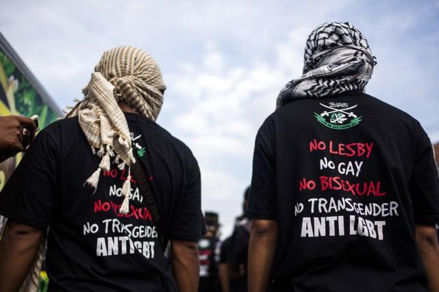 Des militants d'un groupe anti-LGBT se sont réunis... (PHOTO SURYO WIBOWO, ARCHIVES AFP)