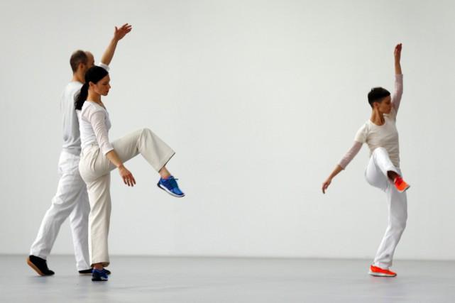 C'est un ballet présenté comme une exposition, en continu pendant 9 heures par... (PHOTO AFP)