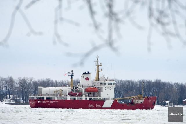 La Garde côtière canadienne pourrait commencer dès vendredi les opérations de... (Archives, Le Nouvelliste)