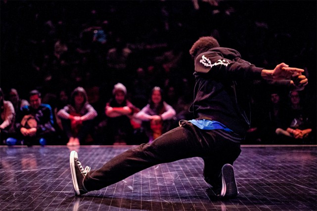 Bouge Anyway... (PHOTO BRICKS PHOTOGRAPHY, FOURNIE PAR L'AGORA DE LA DANSE)