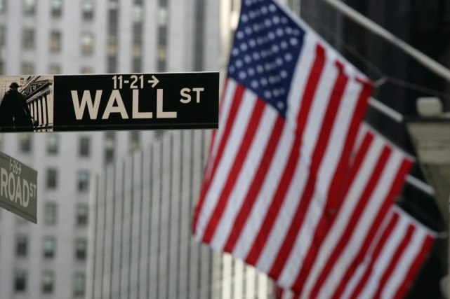 La Bourse de New York a clôturé en baisse lundi, les investisseurs reprenant... (PHOTO ARCHIVES ASSOCIATED PRESS)