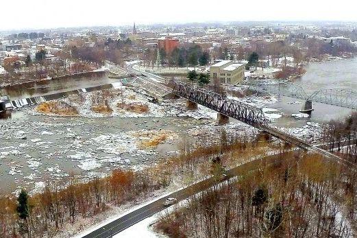 La rivière Saint-François fait des siennes du côté de Drummondville, où le... (Photo tirée du site web de Drummondville)