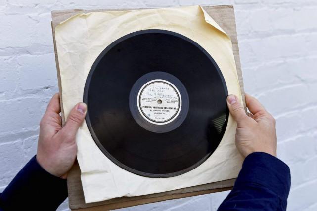 L'enregistrement ayant convaincu George Martin de produire les Beatles, pièce... (PHOTO AFP)
