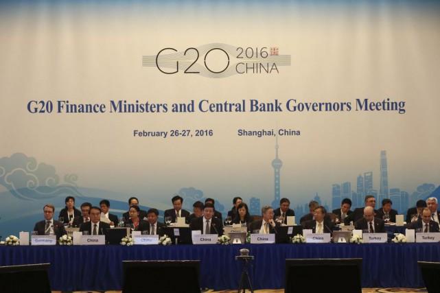Les ministres des Finances et les gouverneurs des... (PHOTO ROLEX DELA PENA, AFP)