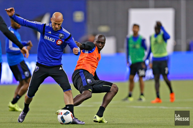 Laurent Ciman et Hassoun Camara... (Photo Olivier Jean, archives La Presse)