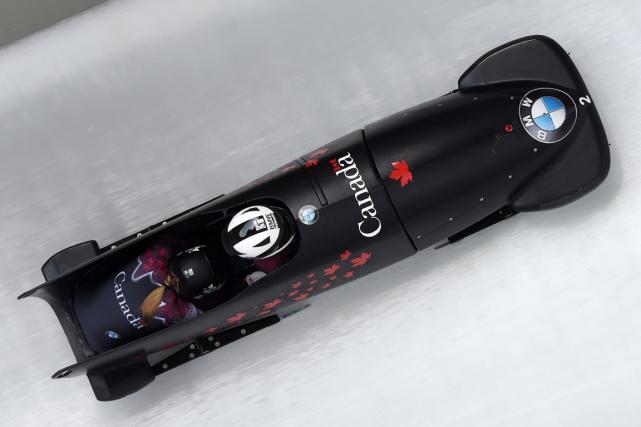 La championne olympique Kaillie Humphries, de Calgary, s'est assurée du titre... (Photo Tobias Hase, AFP)