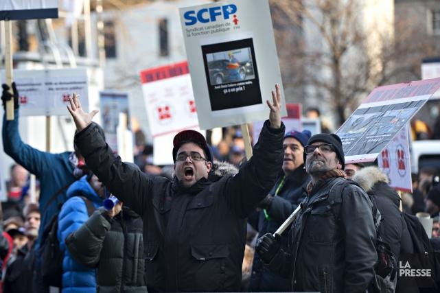 La grève tournante de 36jours visant des bureaux... (PHOTO OLIVIER JEAN, ARCHIVES LA PRESSE)