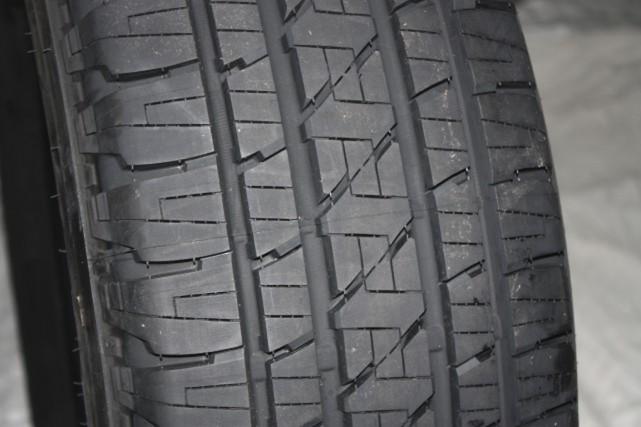 Un pneu Bridgestone.... (Jean-François Guay, collaboration spéciale)