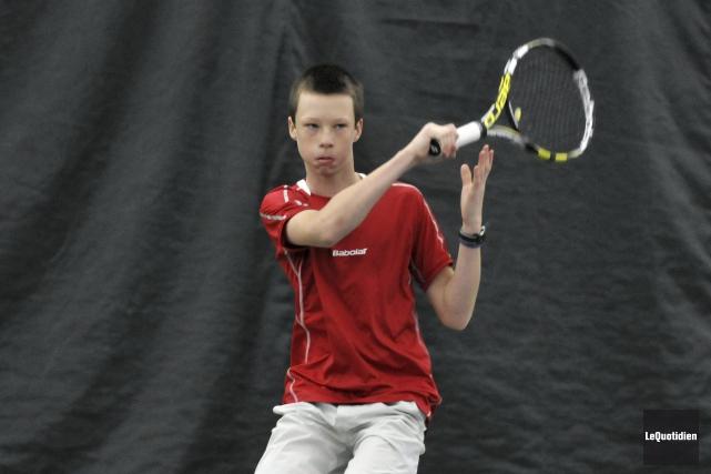 Le jeune Maxime Mareschal-Hay est la seule raquette... (Photo Le Quotidien, Rocket Lavoie)