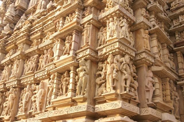 Des scultpures érotiques inspirées du Kama Sutra ornent... (Photo 123RF)
