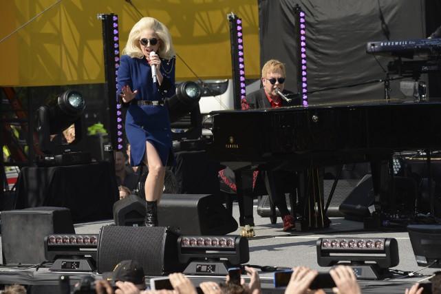 Elton John a fait fermer le Sunset Strip... (AP, Evan Agostini)