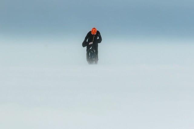 Érick Auger a dominé la traversée du lac... (Photo courtoisie, Martin Gaudreault)