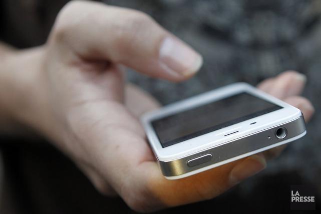 Deux Montréalais qui pensaient avoir fait un grand coup en volant 250 iPhone 6... (Archives, Agence France-Presse)